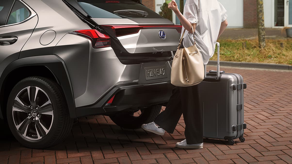 The Lexus UX is packed with comfort. Jump right in and ...