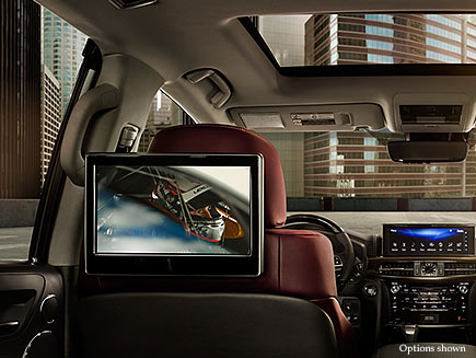Interior shot of the 2018 Lexus LX Entertainment System.