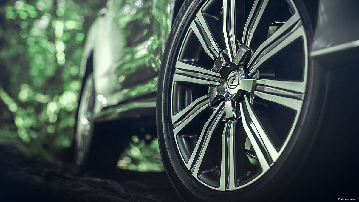 21-INCH SPLIT-10-SPOKE ALLOY WHEELS WITH DARK GRAY AND MACHINED FINISH