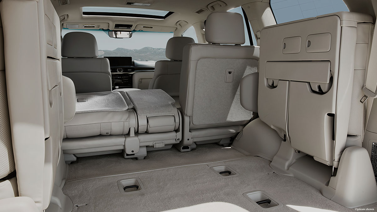 CUSTOMIZABLE SEATING AND STORAGE
