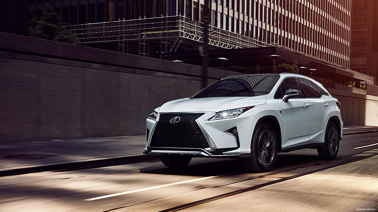 Exterior shot of the 2018 Lexus RX shown in Ultra White