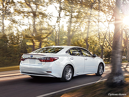 Exterior shot of the 2017 Lexus ES shown in Eminent White Pearl.