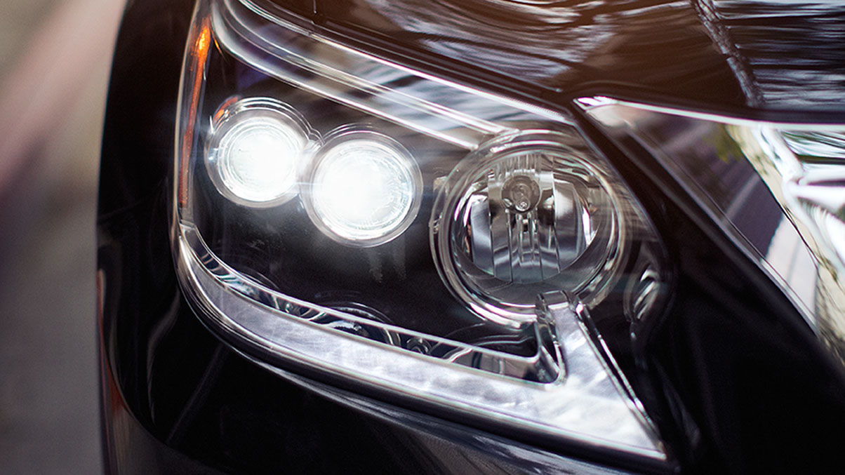 Exterior shot of the 2019 Lexus GX 460 headlamp and daytime running lights.