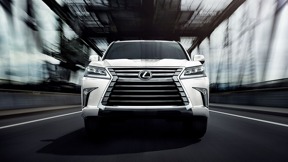 Exterior shot of the 2018 Lexus LX in Eminent White Pearl.