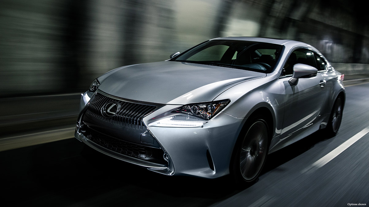 Exterior shot of the 2018 Lexus RC 350 shown in Silver Lining Metallic