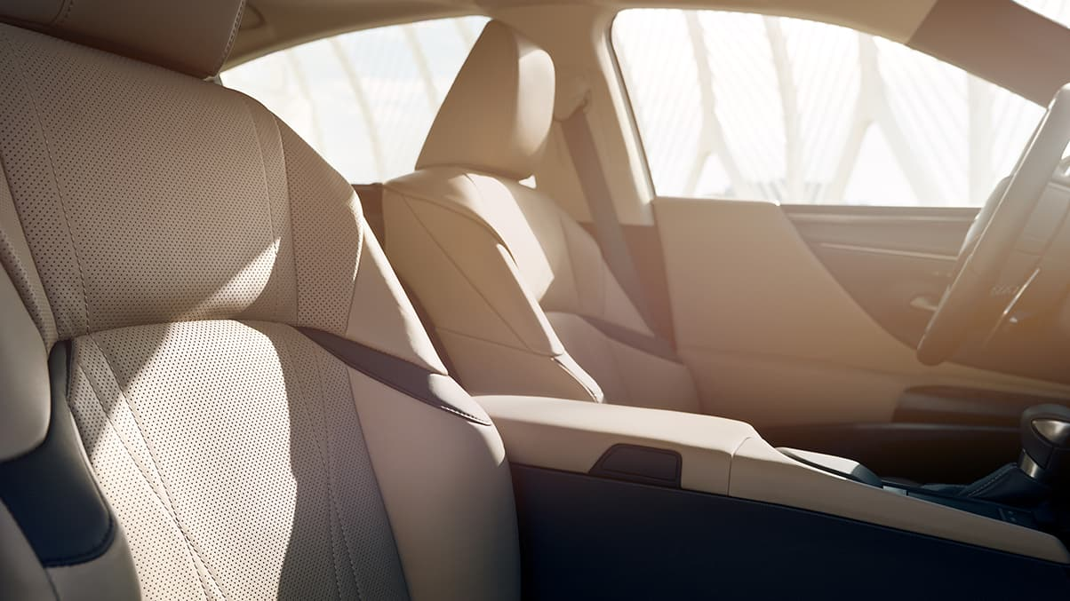 Interior shot of the 2019 Lexus ES Hybrid Ultra Luxury shown with Chateau semi-aniline leather trim.