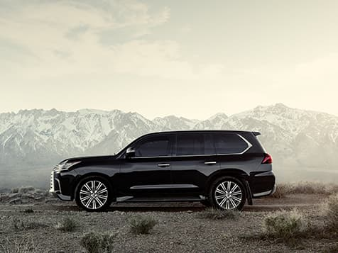 Exterior shot of the 2019 Lexus LX in Black Onyx.