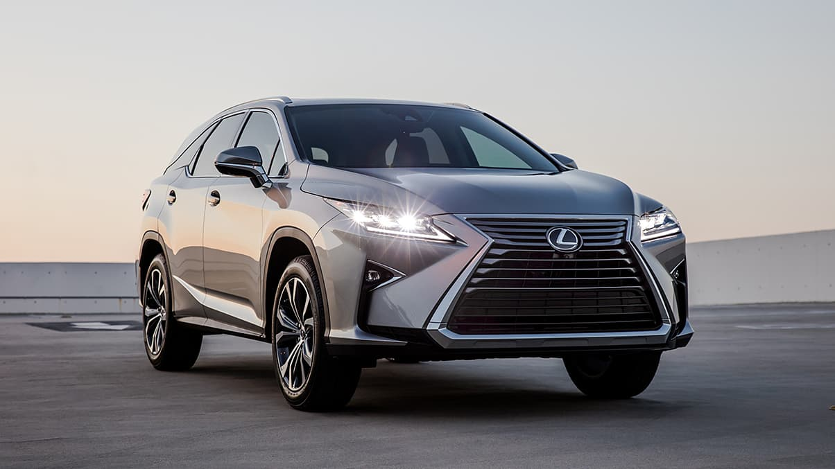 Exterior shot of the 2019 Lexus RXL shown in Atomic Silver.
