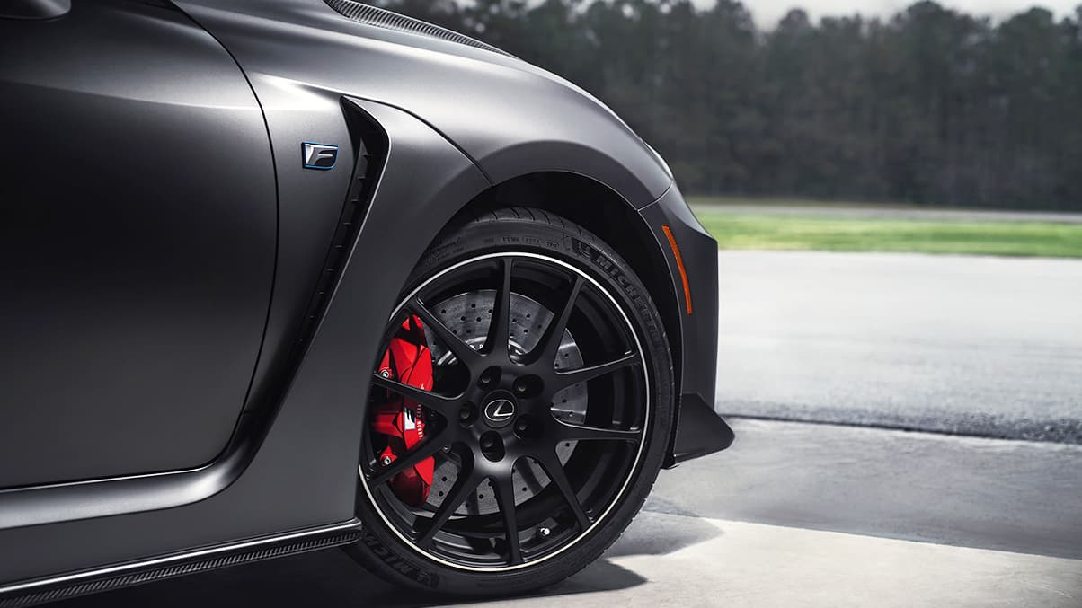 2020 RC F Track Edition shown with Brembo carbon-ceramic brakes with exclusive red brake calipers and 19-inch ultra-lightweight forged alloy wheels by BBS.