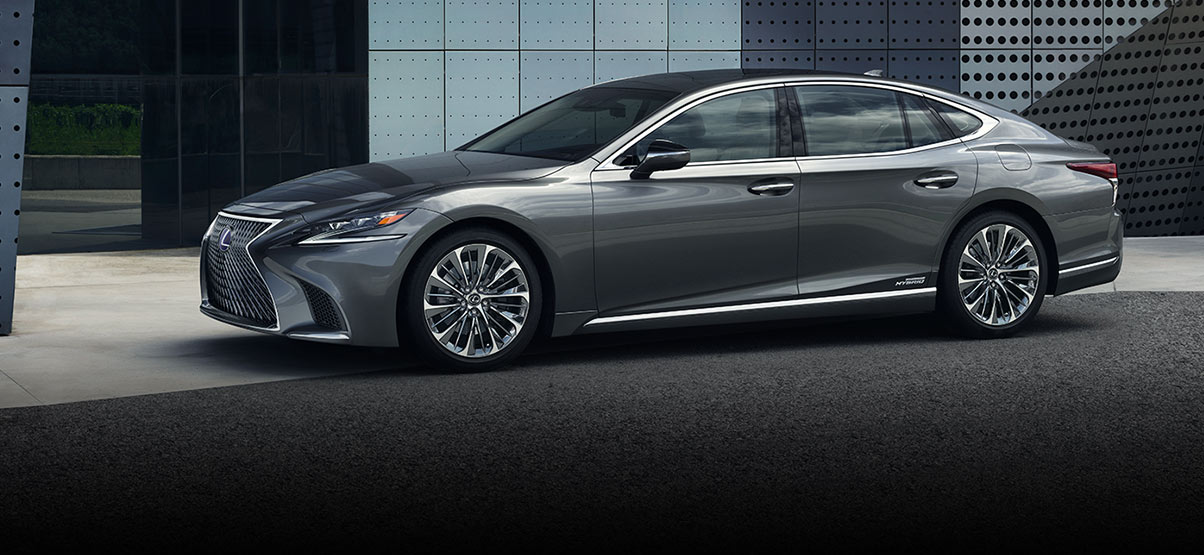 Exterior shot of the 2018 Lexus LS Hybrid