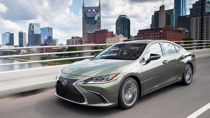 Lexus ES Hybrid shown in Sunlit Green.