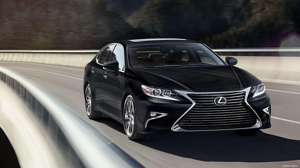 Exterior shot of the 2018 Lexus ES shown in Obsidian.