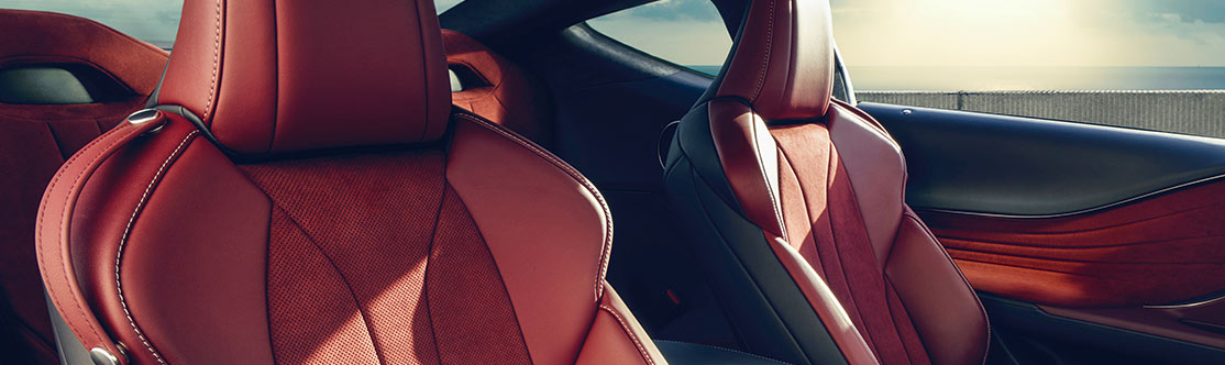 "EIGHT-WAY POWER FRONT SPORT SEATS WITH ALCANTARA®<span class='tooltip-trigger disclaimer' data-disclaimers='[{""code"":""ALCANTARA"",""isTerms"":false,""body"":""Alcantara is a registered trademark of Alcantara S.p.A.""}]'><span class='asterisk'>*</span></span> INSERTS"