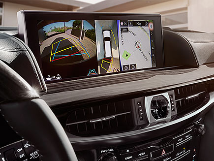 Interior shot of the Lexus LX 12.3-inch high-resolution split-screen multimedia display.
