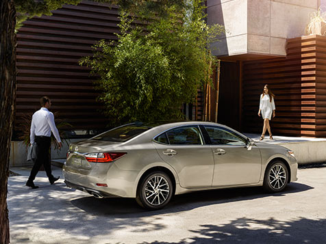 EXTERIOR shot of the 2018 Lexus ES shown in Atomic Silver.