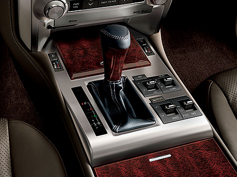 Interior shot of the 2019 Lexus GX with Mahogany wood trim.