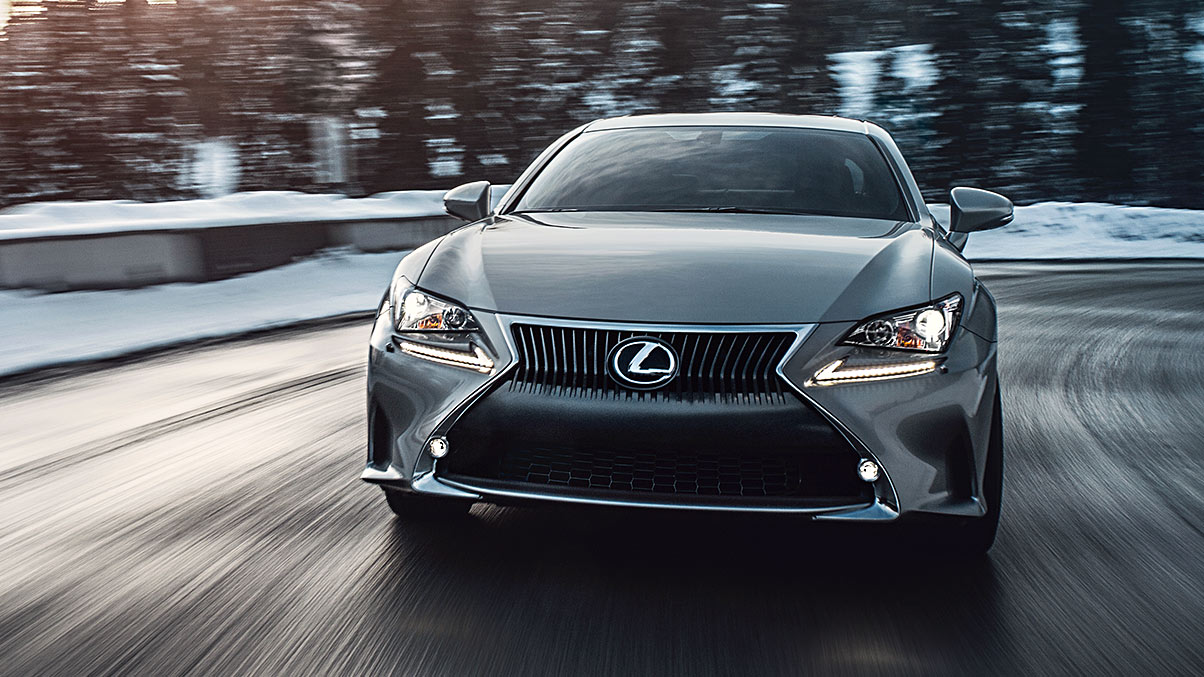 Exterior shot of the 2018 Lexus RC 350 shown in Atomic Silver