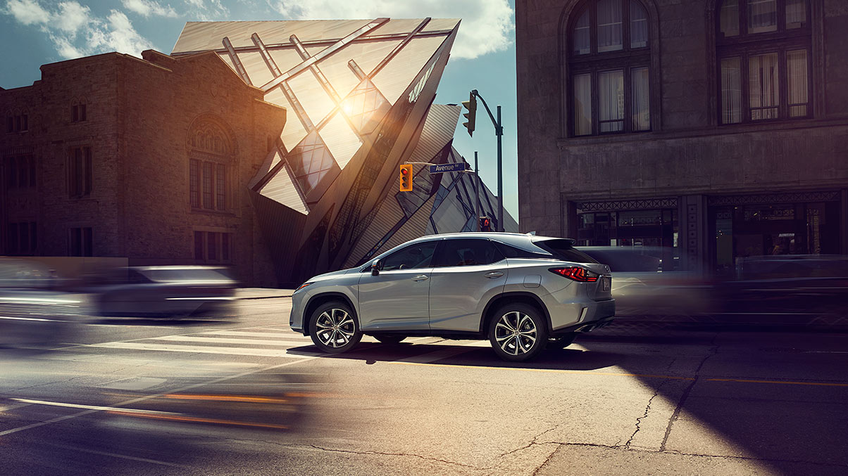 Exterior shot of the 2019 Lexus RX shown in Silver Lining Metallic