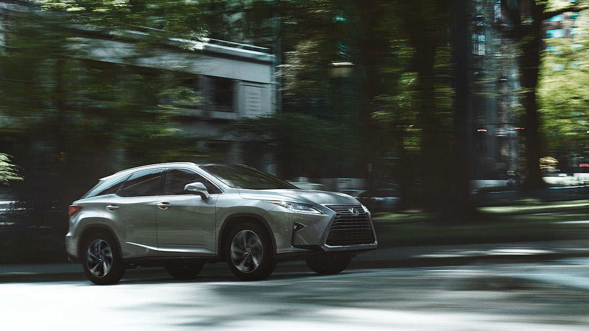 Exterior shot of the 2019 Lexus RX shown in Silver Lining Metallic.