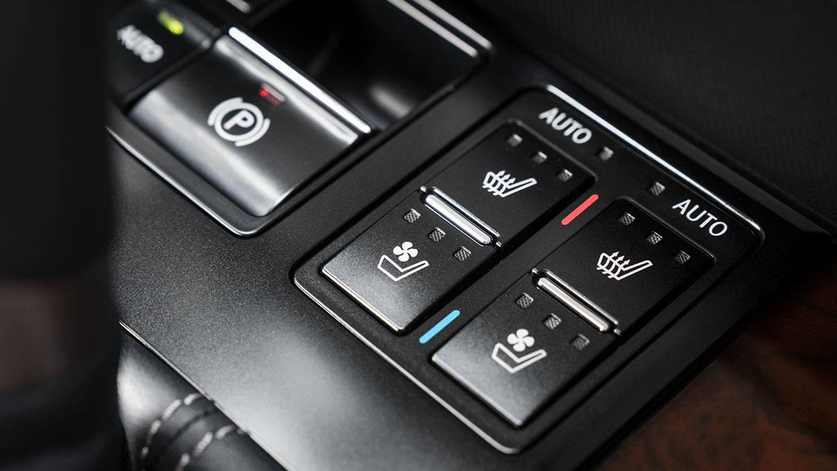 Close up of available 2019 RXL heated and ventilated seat controls.