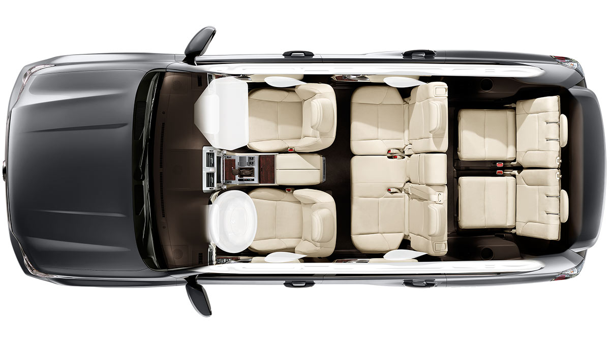 Aerial view of the 2019 Lexus GX interior.