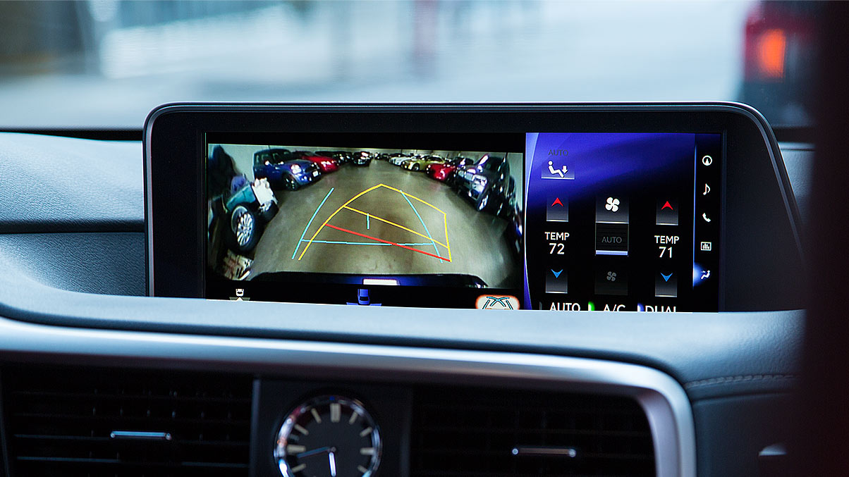 Interior shot of the 2018 Lexus RX 350 backup camera.
