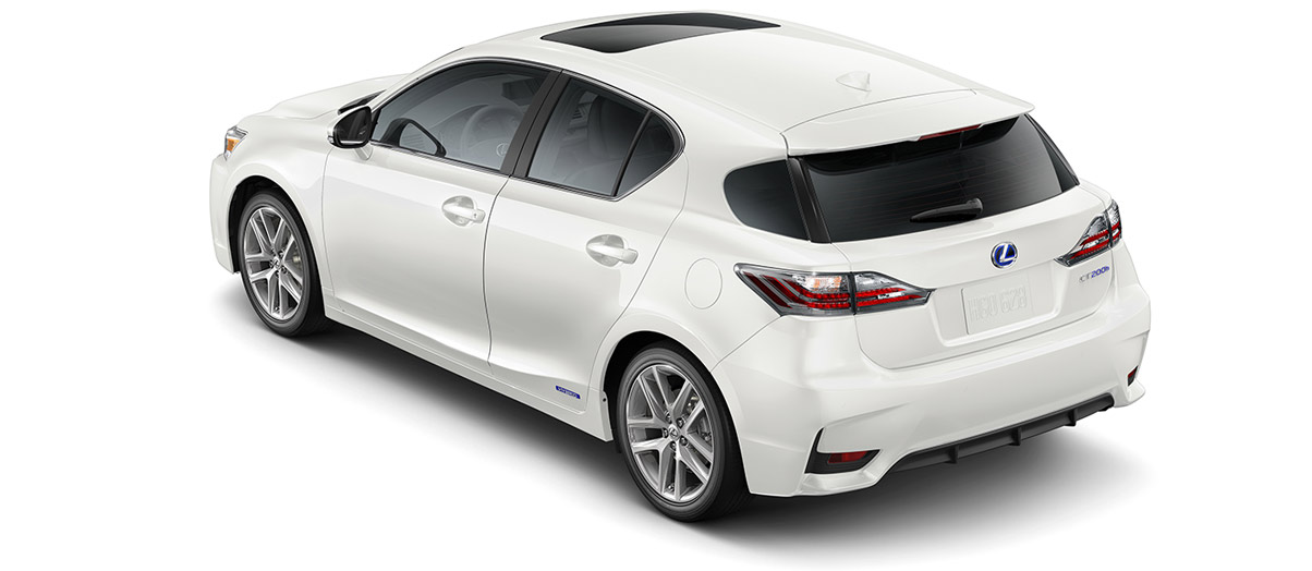 2017 ct 200h in Eminent White Pearl with '17-in split-five-spoke alloy wheels<span class='tooltip-trigger disclaimer' data-disclaimers='[{\'code\':\'TIREWEAR1\',\'isTerms\':false,\'body\':\'17-in performance tires are expected to experience greater tire wear than conventional tires.  Tire life may be substantially less than 20,000 miles, depending upon driving conditions.\'}]'><span class='asterisk'>*</span></span>' angle2