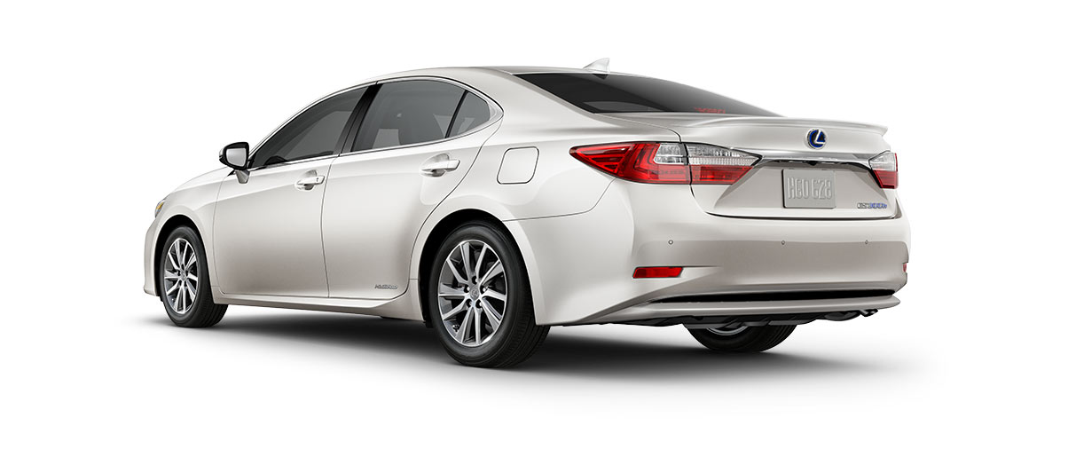 2018 es 300h in Eminent White Pearl with '17-in split-five-spoke alloy wheels<span class='tooltip-trigger disclaimer' data-disclaimers='[{\'code\':\'TIREWEAR1\',\'isTerms\':false,\'body\':\'17-in performance tires are expected to experience greater tire wear than conventional tires. Tire life may be substantially less than 15,000 miles, depending upon driving conditions.\'}]'><span class='asterisk'>*</span></span>' angle4