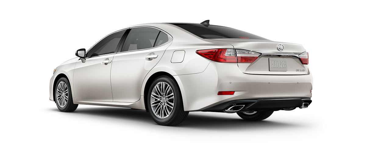 2018 es 350 in Eminent White Pearl with '17-in split-10-spoke alloy wheels<span class='tooltip-trigger disclaimer' data-disclaimers='[{\'code\':\'TIREWEAR1\',\'isTerms\':false,\'body\':\'17-in performance tires are expected to experience greater tire wear than conventional tires. Tire life may be substantially less than mileage expectancy or 15,000 miles, depending upon driving conditions.\'}]'><span class='asterisk'>*</span></span> with high-gloss finish' angle4