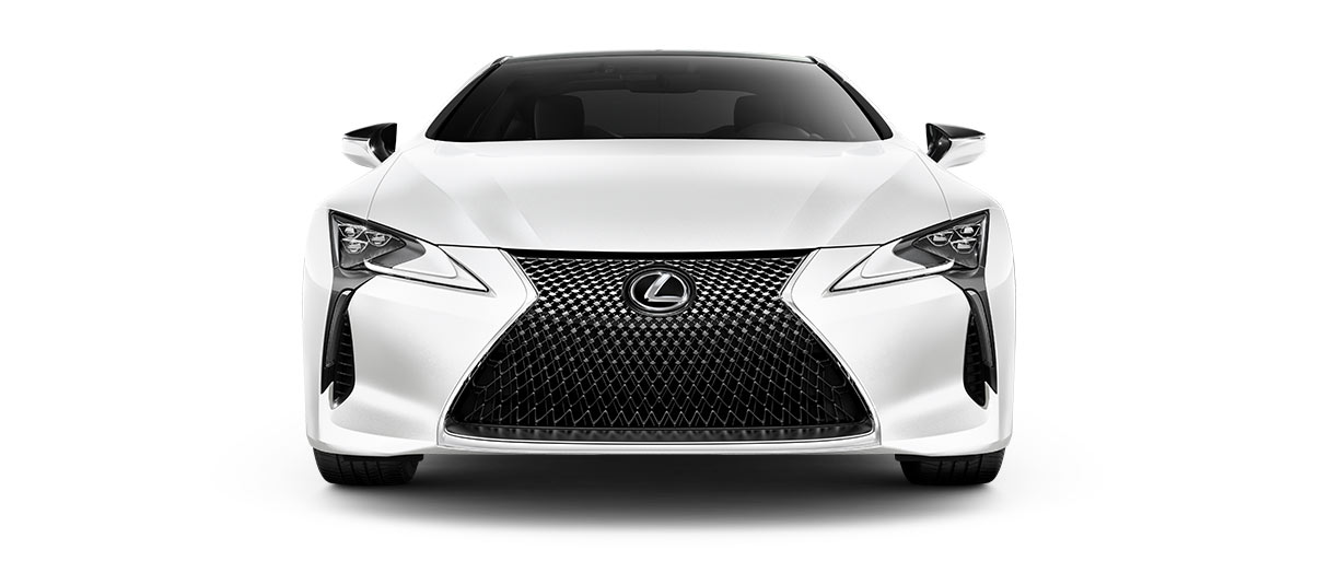 2018 lc 500 in Ultra White with '20-inch split-10-spoke cast alloy Dark Silver with machined finish' angle5