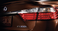 2013 Lexus ES 300h Hybrid tail light - exterior color: Fire Agate Pearl