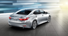 2013 Lexus ES 350 rear view with available 18-inch split-10-spoke alloy wheels - exterior color: Silver Lining Metallic