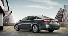 2013 Lexus ES 350 with available 18-inch split-10-spoke alloy wheel - exterior color: Nebula Gray Pearl