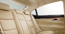 2013 Lexus ES 350 interoir shown in available Parchment leather trim