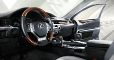 2013 Lexus ES 350 interior shown with available Light Gray leather and Espresso bird?s-eye maple trim.