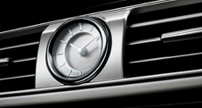GPS-linked analog clock on 2013 Lexus LS
