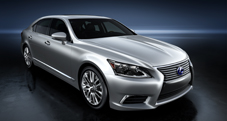 2013 Lexus LSh Hybrid exterior shown in Liquid Platinum