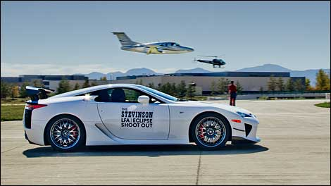 Lexus LFA vs. JET - Video